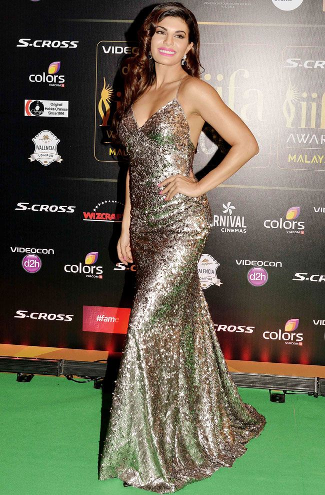 Jacqueline Fernandez dazzles in a shimmery gown at #IIFA2015 in Kuala Lumpur. #Bollywood #Fashion #Style #Beauty #Sexy #Hot