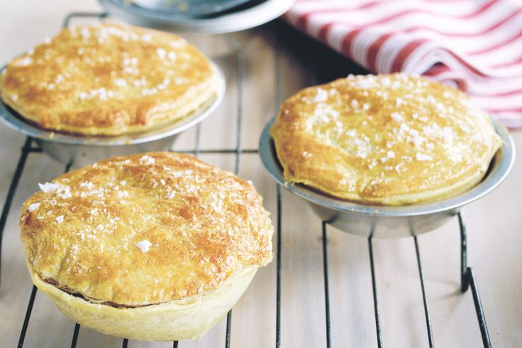 how to make dough for australian meat pie