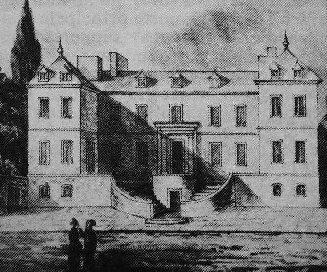 Montreal, late eighteenth century. Government House in Vaudreuil.    Archives of the Seminary of St. Sulpice.  Current site of Place Jacques-Cartier Street as seen from St. Paul> North.  Imposing building built in the early eighteenth century to compete with the residence of M. de Ramezay.