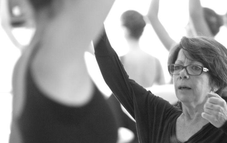 La disciplina è un elemento fondamentale nello studio della #danza. Questo aspetto è strettamente collegato con l'impegno.La dedizione è sinonimo di amore e passione e in un'arte come quella del #balletto non è una parola che può spaventare.Nella danza l'impegno non è un sacrificio ma è alla base della gioia di poter conquistare, giorno dopo giorno, una conoscenza che appaghi il desiderio di diventare danzatore.L'impegno va mostrato non solo nella pratica stessa ma anche nell'interesse ...