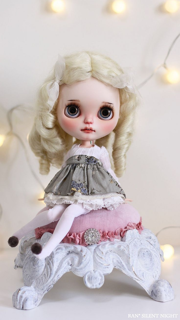 Amazing custom #collecting #dolls #blythe #custom #handcrafted