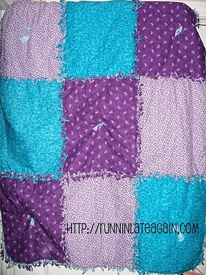 No sew rag quilt...wonder if this could be done with old t-shirts & backed with fleece?