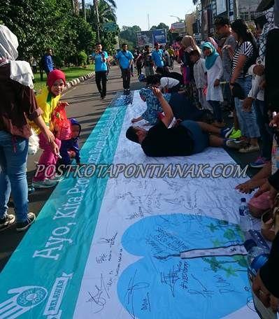 Post Kota Pontianak » Spanduk Raksasa : WeLoveBogor ditandatangani Ratusan Warga Bogor