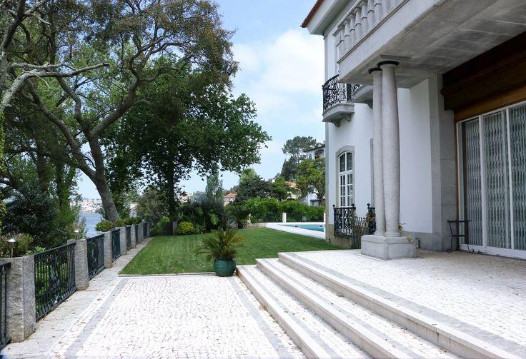 Beautiful outdoor  Find more: www.luxxu.net #luxury #interiordesign #homedesign