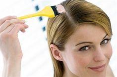 Come tingere i capelli bianchi con prodotti naturali: per evitare di spendere molto denaro in costosi trattamenti frequenti, vi consigliamo di provare