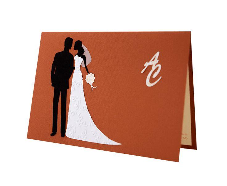Invitatie nunta realizata din carton de culoare maro cu initiale aplicate si cu model mire si mireasa realizat din carton aplicat manual in multiple straturi