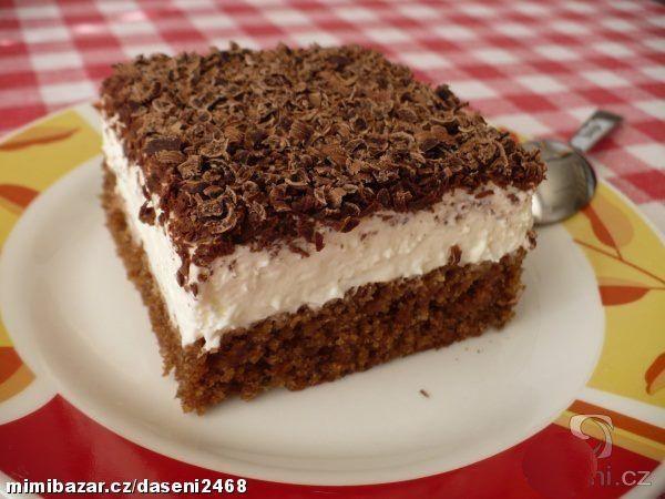 Moučník se zakysanou smetanouTĚSTO - 1 balíček prdopeč- 20 dkg cukr krupice - 100 ml voda - 200 ml olej - 2 lžíce kakao - 3 ks vejce - 15 dkg hladká mouka KRÉM - cukr - rum - 2 kelímky zakysaná smetana - 1 kelímek pomazánkové máslo - 1 - 2 kelímků smetana ke šlehání NA OZDOBU - hořká čokoláda http://www.mimibazar.cz/recept.php?id=147655&user=133742