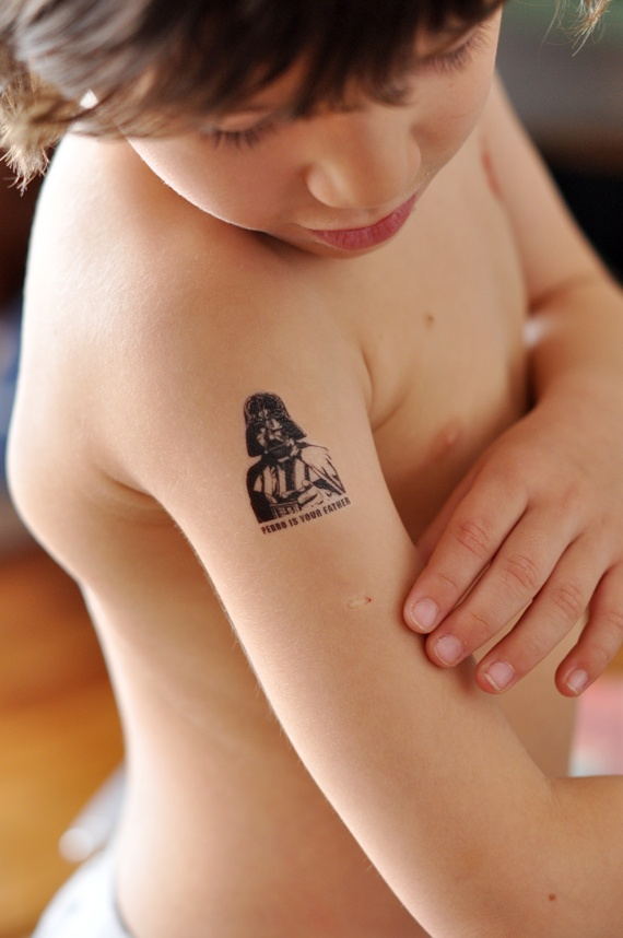 tatoos from your inkjet... you'll need 'google translate' for the tutorial.