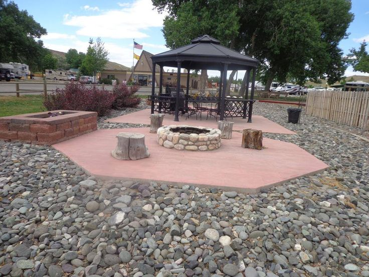 Relaxing community area at the Cody KOA Holiday Koa