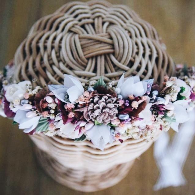 Detalles de nuestra novia MCarmen. Trabajo minucioso para este resultado   #BeToscana💚 #Toscanabride   #novias2017   ____________________________  #toscanaTocados #noviastoscana #Love #BeToscana #tocadosnovia #tocadosparanovias #tocados #coronasnovia #novias #weddingtime #weddingstyle #noviasguapas #tocados #tocadospersonalizados #noviasperfectas