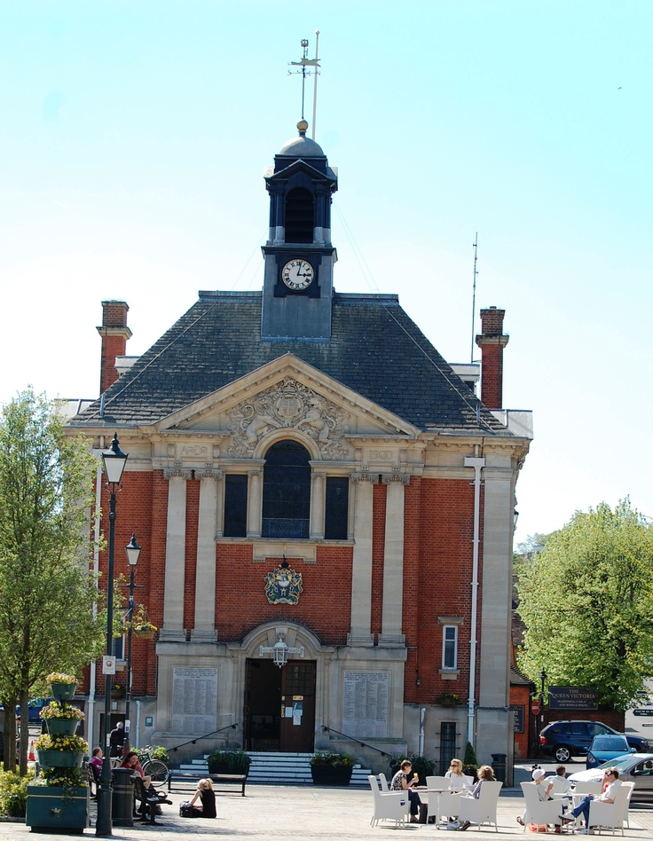 Henley's Town Hall built in 1901 replacing an earlier building which was moved to Crazies Hill as a home.