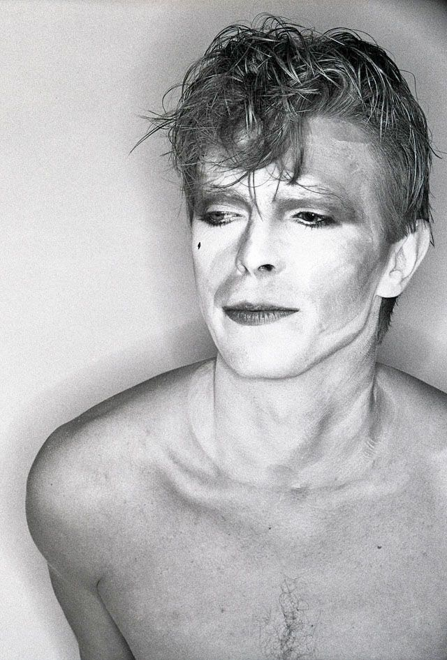 "David Bowie ""Ashes to Ashes"""