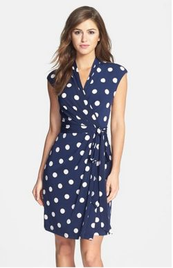 I love the style and print of this dress!!!!