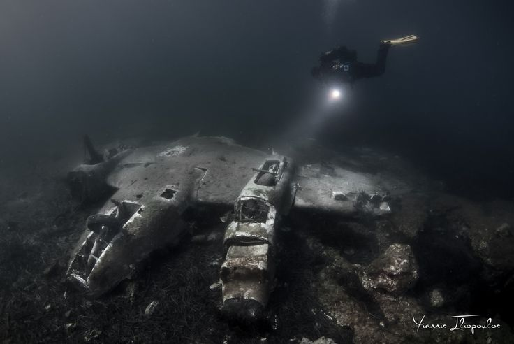 Aircraft Beechcraft King Air A90 RU-21A Underwater Photography by Yiannis Iliopoulos
