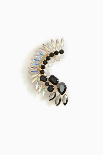 Jeweled Feather Ear Cuff This is awesome i really wanna try this out!!