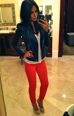 Love the whole outfit, red pants, nude shoes, white flowy shirt & leather jacket