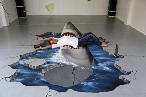 Shark 3D sidewalk art