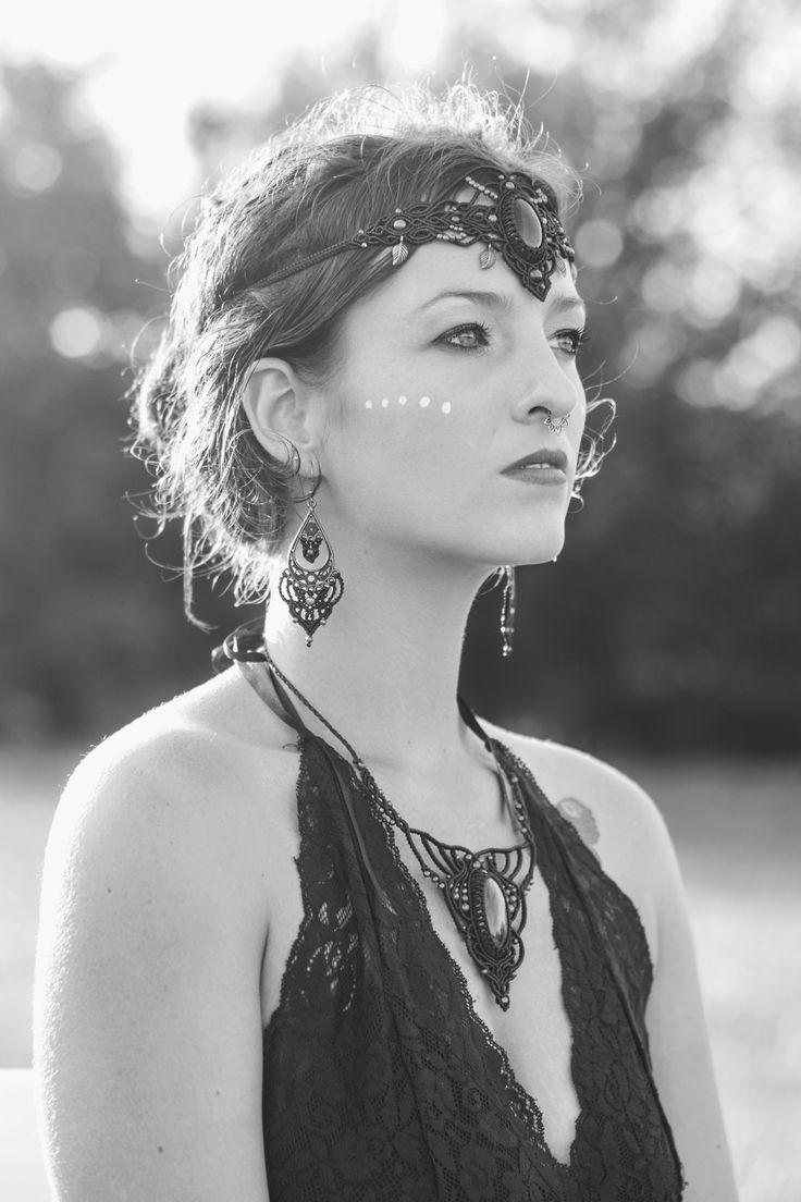 Macrame jewelries: https://www.instagram.com/anemoona_jewerly/