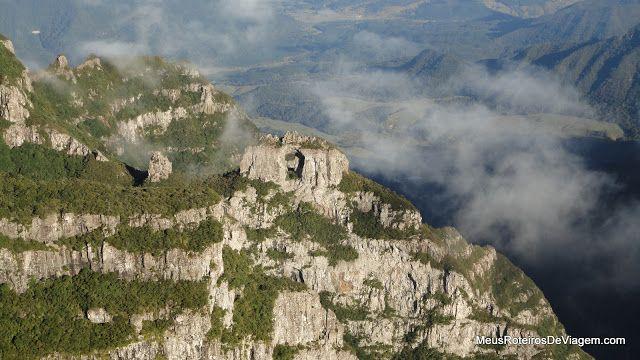 Urubici – Morro da Igreja, Pedra Furada e Cascata Véu de Noiva