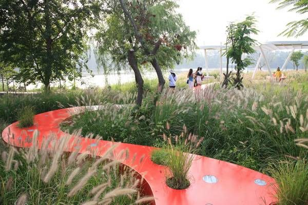 The red ribbon park qinhuangdao city hebei province for Red landscape architects