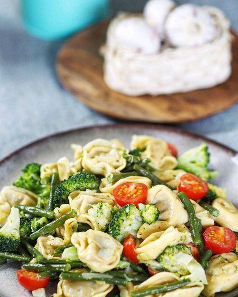 Vegetarische Tortellini - Pfanne, ein beliebtes Rezept aus der Kategorie Gemüse. Bewertungen: 140. Durchschnitt: Ø 4,5.