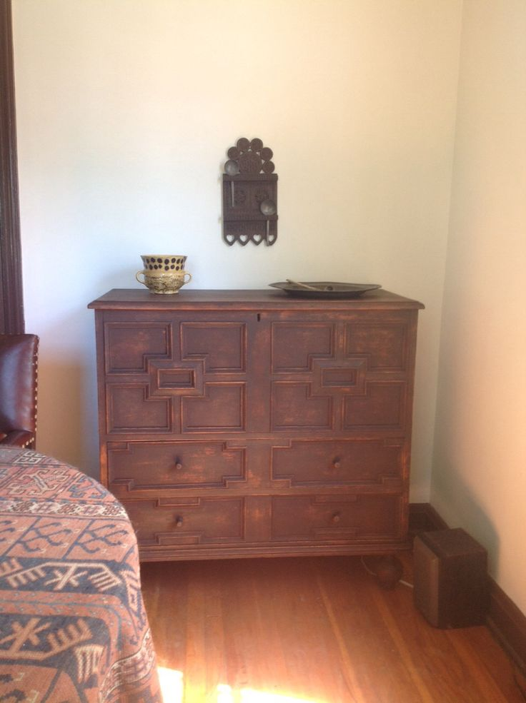 New Haven Ct Board Chest With Applied Moldings American Pilgrim Century Furniture