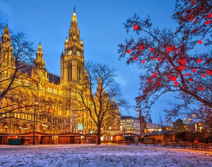 Βιέννη: Τα φώτα της γιορτής πιο λαμπερά από οπουδήποτε
