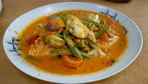 Tom Yam Fish Head dish from Casper Seafood in Singapore. More reviews by Straits Times food editor Tan Hsueh Yun at http://www.straitstimes.com/tan-hsueh-yun-food-picks Photo: Tan Hsueh Yun/The Straits Times