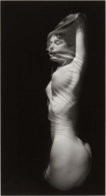 Ruth Bernhard (1905 - 2006) - Silk, 1968