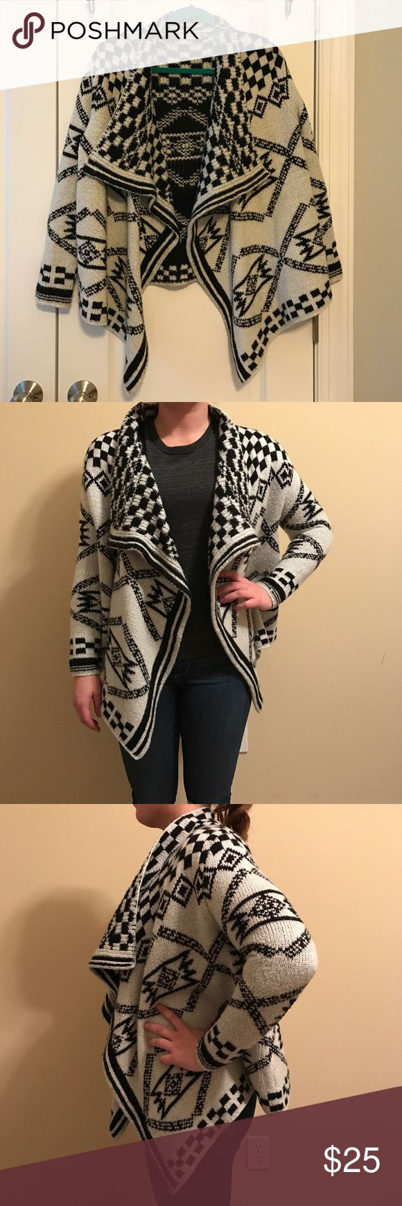 Super cozy sweater cardigan! Size Small Black/White tribal sweater - small - 100% Acrylic Xtaren Sweaters