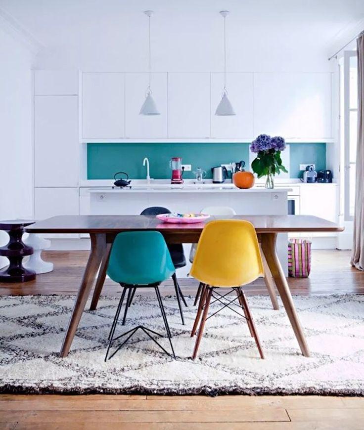 colore blu turchese per aggiunta colore cucina scandinava