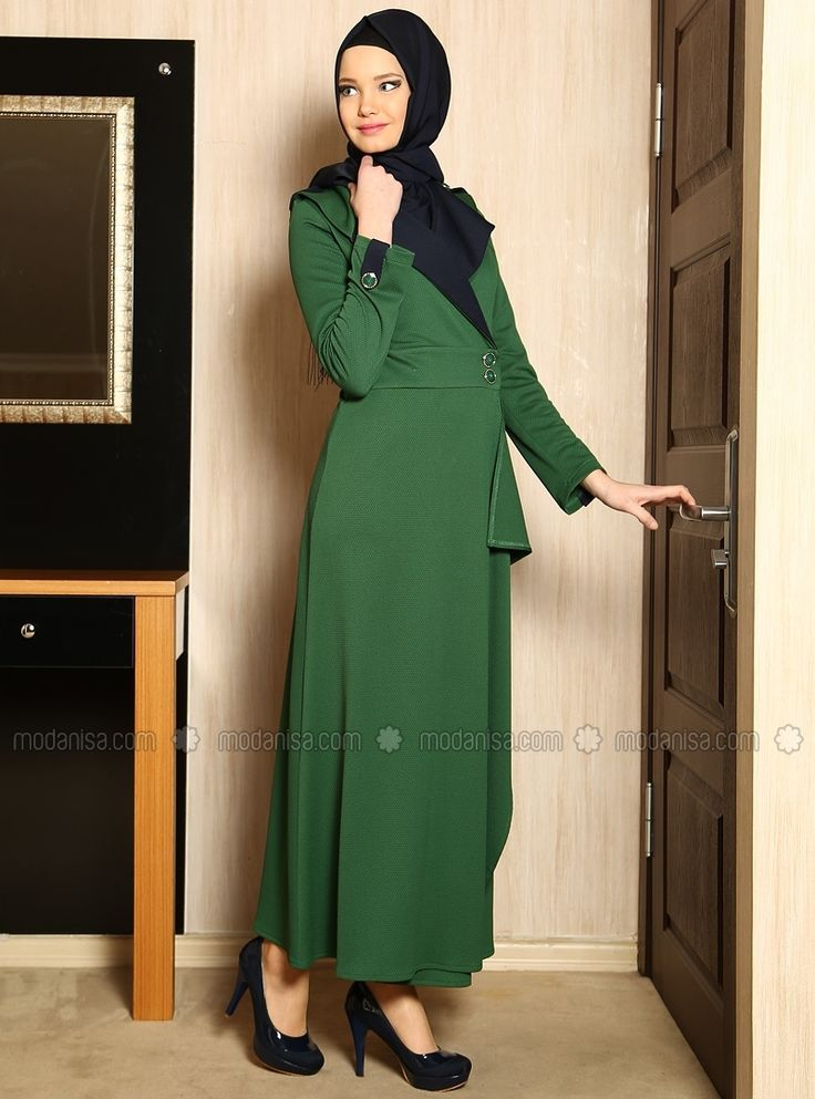 Long dress green with 2 button straps. Chic for Hijab office style!
