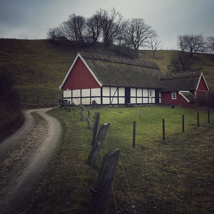 #loves_sweden #igersmalmoe #ig_scandinavia #ig_sweden #österlen #haväng #skånskahus by lottekarin