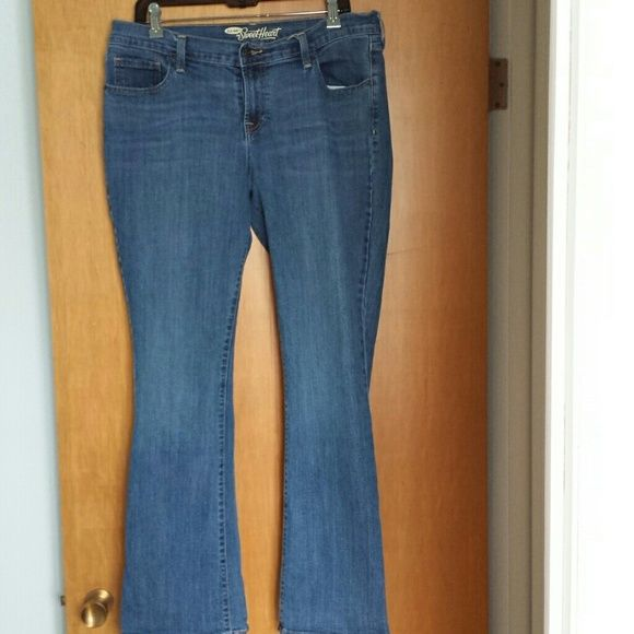 Old Navy Boot Cut Jeans Love these jeans! I've already replaced them with another pair in my current size. These are lighter medium rinse bootcut jeans, the Sweetheart fit, by Old Navy. Excellent condition with no flaws to note! Size 14, regular inseam. Old Navy Jeans Boot Cut