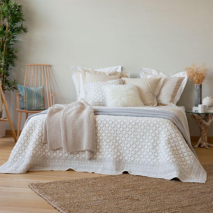GRIJS KUSSEN MET PRINT EN KRALEN - Dekbedden - Bed | Zara Home Netherlands