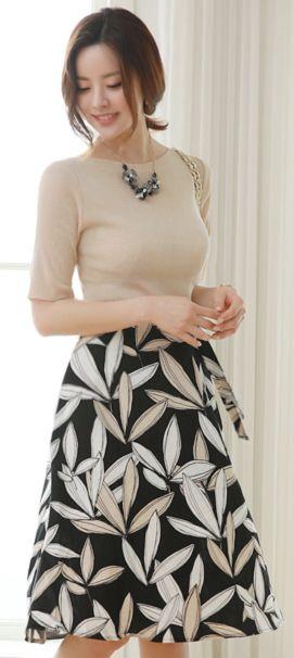 StyleOnme_Leaf Print Linen Flared Skirt #leaf #elegant #skirt #feminine #koreanfashion #kstyle #kfashion #springtrend #dailylook