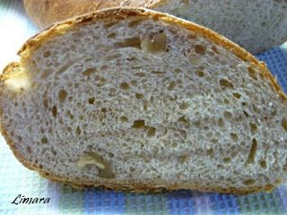 Vasárnap délelőtt hozta nekem egy kedves ismerősöm ezt a kenyeret:    Néhány hónappal ezelőtt beszélgettünk, akkor említette, hogy ha a főv...