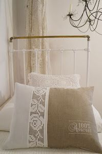 pretty pillow pretty pillow Source by neslihanoztin The post pretty pillow appea…