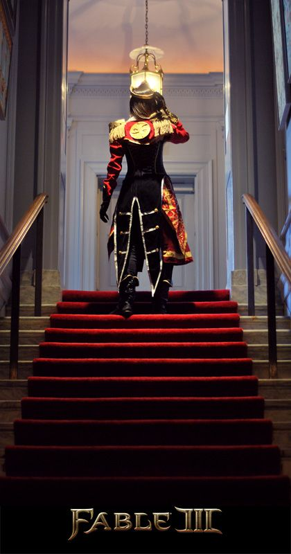 A really professional cosplay of the Hero Queen from Fable 3.  I do NOT own this cosplay.