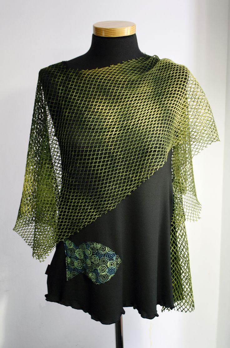 En verano del 2010 jugamos con las redes y los peces en las camisetas de la colección Bakailao. #NegroYVerde #red
