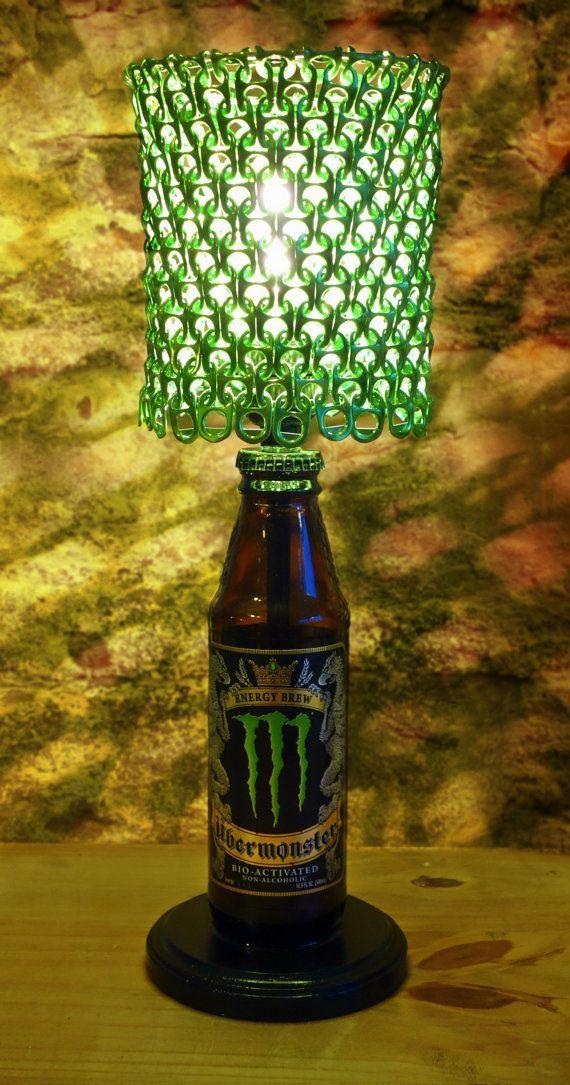 O que você costuma fazer quando acaba a bebida e sobra apenas aquela latinha ou garrafa maravilhosa, com design legal e sofisticado? Se sua resposta for descar