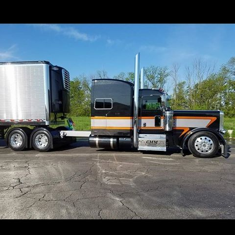 CMM #largecar #peterbilttruck #customrig #bigrig #peterbilt