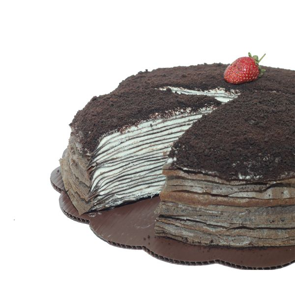 Oreo Mille Crepes ! Made by Monmille Crepe Indonesia! @ monmilleid just 25k indonesian rupiah for one slice box