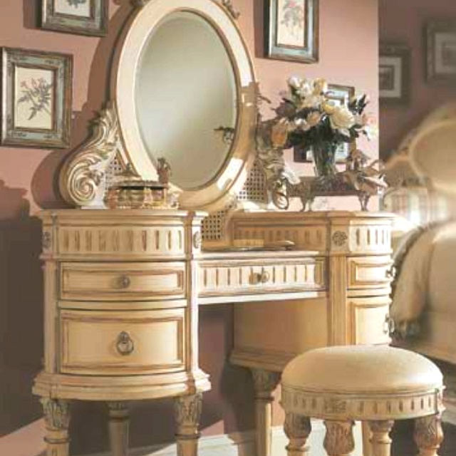 One day i will have an antique makeup vanity