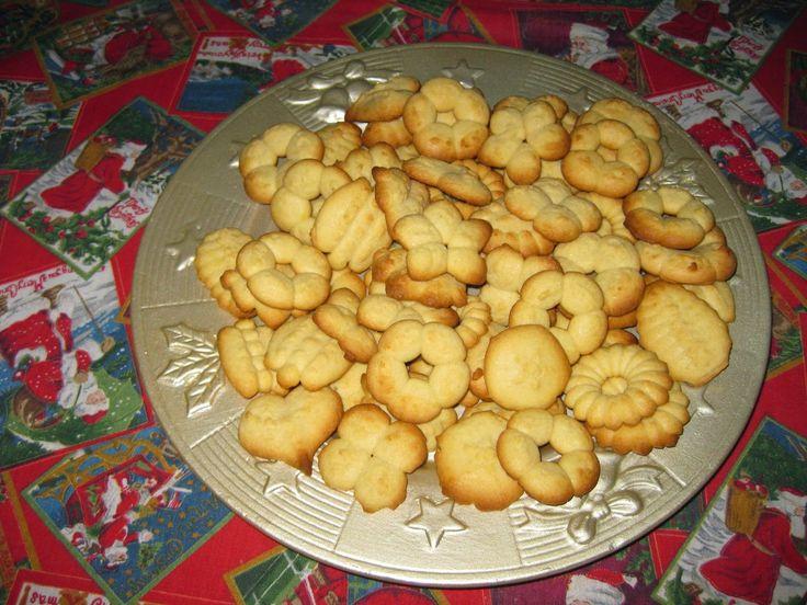 Μπισκότα βουτύρου σε διάφορα σχέδια