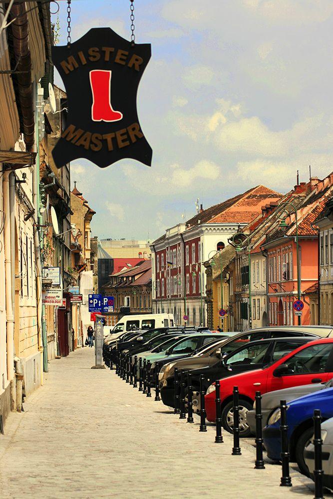 Brasov_ChiqueRomania_street