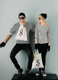 Simple and classy DIY halloween costumes.