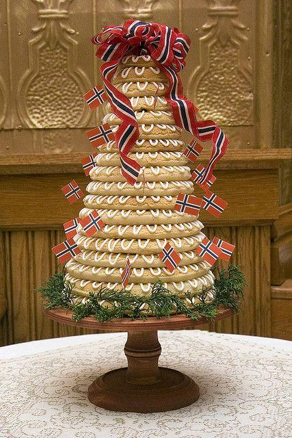 Kransekake - Norwegian wedding cake! Definitely need this for the Norwegians in the family!