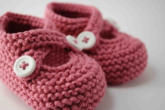 Cotton Candy Pink Baby Booties by pleasantlyplumpknits on Etsy, $25.00