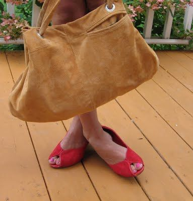 Change an old leather coat into your new fav purse.